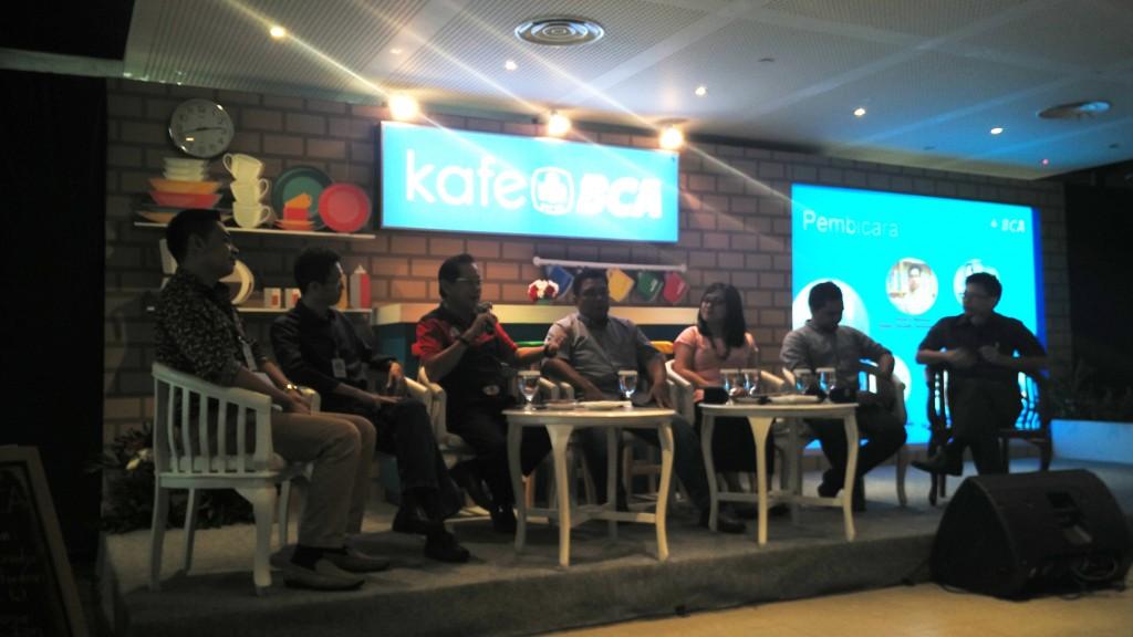 Acara Nongkrong di Kafe BCA, Menara BCA Lantai 22 di Jakarta, Rabu (1/6). Acara ini berupa talkshow dengan menghadirkan narasumber kompeten di bidangnya. Foto: Dok.pri