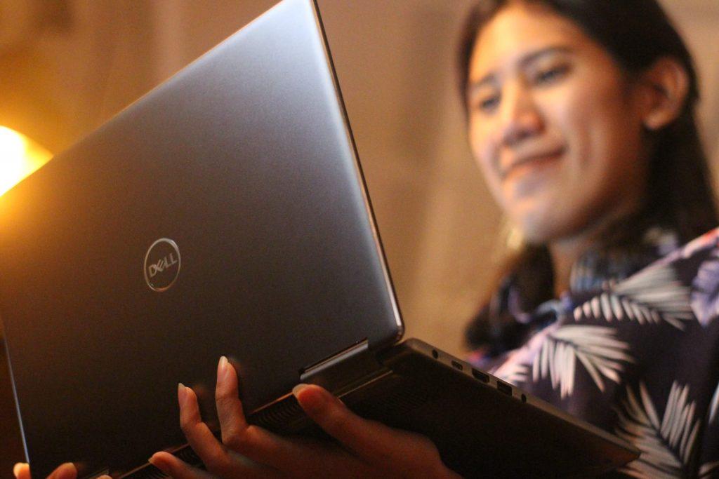 Dell Inspiron 13 7000 2-in-1 model 7373